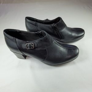 Clark's Bendables Black Leather Ankle Zip Bootie